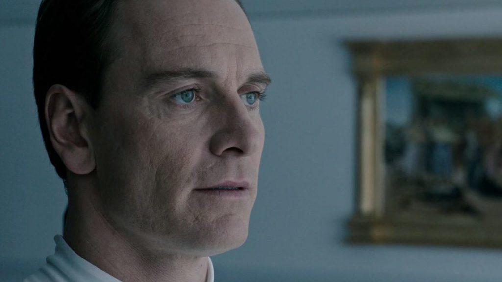 """Дэвид (Майкл Фассбендер) - кадр из фильма """"Чужой: Завет"""""""