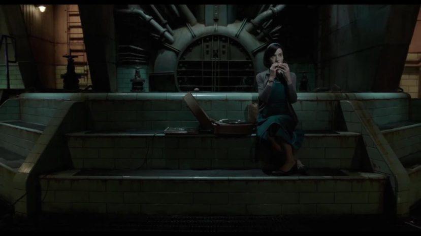 """Кадр из фильма """"Форма воды"""""""