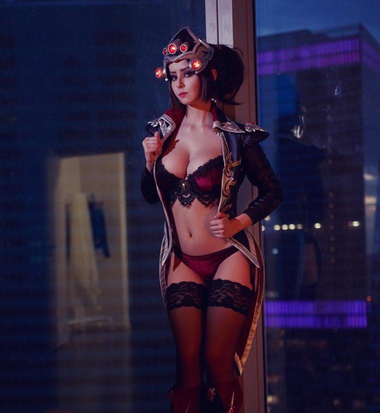 Косплей на Вдову из Overwatch от Helly Valentine