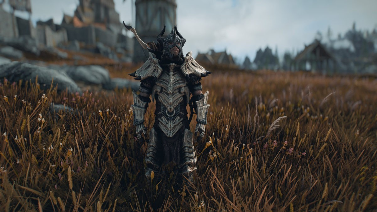 Frankly HD Dragonbone and Dragonscale Armor and Weapons