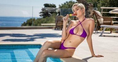Порноактрисы с лучшей большой грудью: натуральные и искусственные