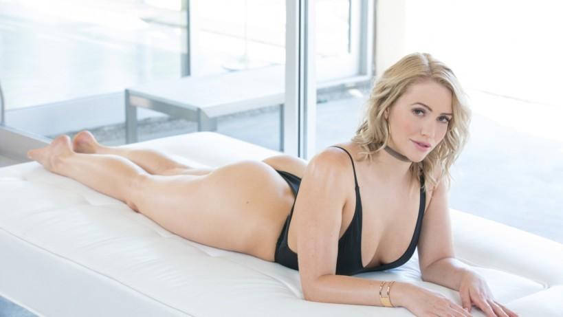 Миа Малкова - хитрая порноактриса, которая косит под русскую