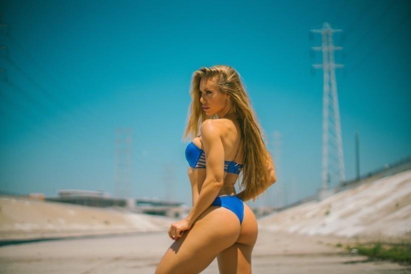 Nicole Aniston (5)