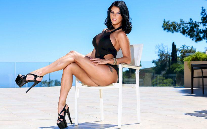 Пета Дженсен: порноактриса с идеальной фигурой и огромнейшей грудью