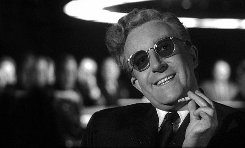 """Кадр из фильма """"Доктор Стрейнджлав, или Как я научился не волноваться и полюбил атомную бомбу"""""""